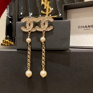 Genuine Authentic Chanel Gold Drop Pearl Earrings
